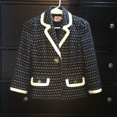 Juicy couture blazer Stunning blazer in navy blue with yellow and white. Size tag is missing, but I would say it's an XS. No stains or holes but the second button on the front is missing. Doesn't effect wearing it, I think it looks better unbuttoned anyways😊 Juicy Couture Jackets & Coats Blazers