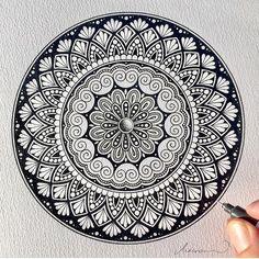 Bigger lines today. mandala, zentangle and doodle inspiratio Mandala Doodle, Henna Doodle, Mandala Art Lesson, Mandala Artwork, Mandalas Painting, Mandalas Drawing, Dot Painting, Drawing Heart, Doodle Art Drawing