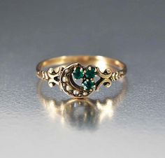 Rings Our Selection of Wedding Rings, Engagement Rings, Estate Vintage & Antique Rings Antique Engagement Rings, Antique Rings, Vintage Rings, Antique Jewellery Online, Antique Jewelry, Vintage Jewelry, Jewellery Shops, Jewellery Box, Antique Necklace