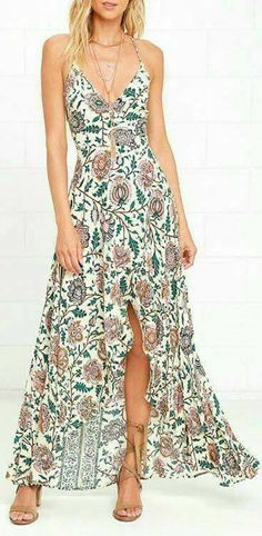 Sipping on a pina colada in the Vines and Spirits Cream Floral Print High-Low Wrap Dress sounds like a fabulous idea! Woven dress has tying straps at back. Floral Maxi Dress, Dress Skirt, Wrap Dress, Pretty Dresses, Beautiful Dresses, Beauty And Fashion, Runway Fashion, Women's Fashion, Fashion Trends