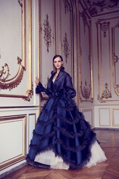 Photo galleries fashion week : Alexis Mabille Fall-Winter Haute Couture ( Page 13 - look - The World's Fashion Business News Style Couture, Haute Couture Dresses, Haute Couture Fashion, Live Fashion, Fashion 2017, Runway Fashion, Fashion News, Net Fashion, Alexis Mabille