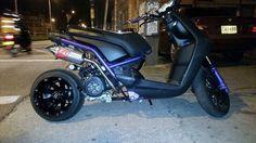 Scooter Custom, Custom Bikes, Yamaha Scooter, Motos Yamaha, Urban Electric, Mini Bike, Zoom Zoom, Mad Max, Electric Scooter