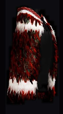Pohutukawa Feather Cape, Red Feather, Maori Designs, Flax Weaving, Weaving Art, Polynesian People, Maori Patterns, Flax Flowers, Maori Art