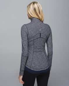 """We designed this warm, breathable jacket to layer on the slopes, or the hiking trail. We added thumbholes and fold-over Cuffins™ finger cover to keep sleeves down and chills out, because cold hands can seriously mess with our fun.    """"I love everything about the Define - length, shape, material, cuffins, thumbholes."""" -heylululemon guest kk_ontario"""