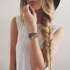 Ever think of cutting your hair short to have a fresh and new look? Wait till you've tried these DIY hairstyles for long hair! Fishtail Hairstyles, Diy Hairstyles, Pretty Hairstyles, Fishtail Braids, Hairstyle Tutorials, Fishbone Braid, Makeup Tutorials, Hairstyle Braid, Crown Braids
