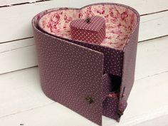 Newspaper Crafts, Easy Paper Crafts, Crafts To Do, Cardboard Furniture, Cardboard Crafts, Diy Gift Box, Diy Box, Cardboard Organizer, Small Curtains