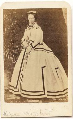 Tsarina Maria Alexandrovna, consort of Tsar Alexander II Princess Alice, Princess Beatrice, Victorian Photos, Vintage Photos, Royal Photography, Grand Duchess Olga, Winter Palace, Hoop Skirt, Imperial Russia