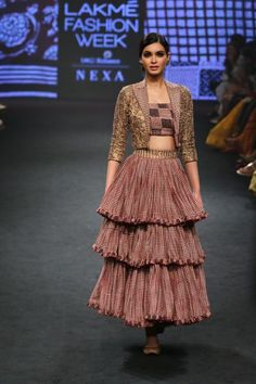 Collection Punit Balana @ Indian Fashion SS Fashion Trends From, The . - Collection Punit Balana @ Indian Fashion SS Fashion Trends From, The …, - Fashion Week 2018, Lakme Fashion Week, India Fashion, Retro Fashion, Trendy Fashion, Fashion Show Themes, Indian Fashion Trends, Fashion Silhouette, Vogue India