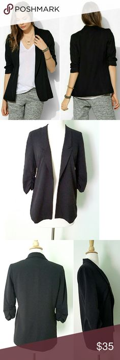 Silence + Noise Blazer Black open blazer with 3/4 crinkle sleeves and two side pockets. The inside lining is a bit torn but not broken (see last pic) totally invisible. Other than that in great condition. Urban Outfitters Jackets & Coats Blazers