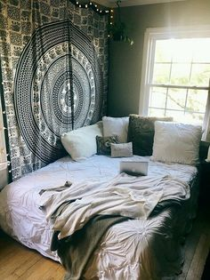 Boho-chic String Lights for a Budget-friendly Bedroom Decor
