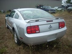 2005 Ford Mustang- being Parted Out from D&S Used Parts ini Blackstone, IL