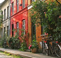 Charming and colourful houses and bikes (Copenhagen, København, Danmark, Danish, Denmark, travel, Europe, city, capital, visit, beautiful, cool, awesome, bicycles)