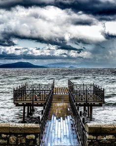 Seastorm #🇬🇷 #seastorm #sea #storm #nature #coast #sonya7iii #landscape #seaside #waves #sky  #winter2018#beauty #wind #awesomeearth #j… Sea Storm, Seaside, New York Skyline, Greece, Coast, Waves, Earth, Landscape, Awesome