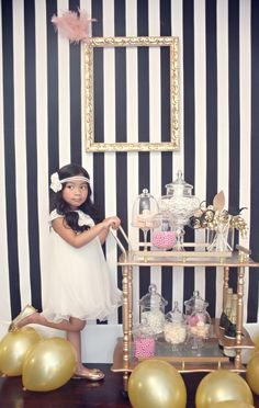 great gatsby inspired party all gold everything. I love gatsby Great Gatsby Theme, Gatsby Themed Party, 30th Party, Birthday Parties, Gatsby Wedding, Speakeasy Party, 1920s Party, Vintage Party, Birthday Background Wallpaper