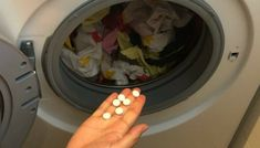 [Cleaning Tricks] She Throws An Aspirin Tablet Into Her Washing Machine!