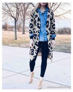 Chambray Shirt Outfits, Cardigan Outfits, Dress With Cardigan, Cardigan Fashion, Long Cardigan, Leopard Cardigan Outfit, Leopard Outfits, Sporty Outfits, Fall Outfits