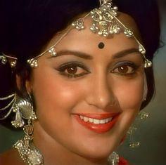 Beautiful Bollywood Actress, Most Beautiful Indian Actress, Beautiful Asian Girls, Indian Actress Hot Pics, Indian Actresses, Beauty Full Girl, Beauty Women, Bridal Makeup Images, Hema Malini