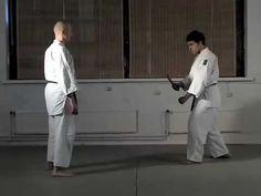 Jujutsu techniques part 1   http://www.bumon.es    En Bumon ense�amos jujutsu visitanos en http://www.bumon.es