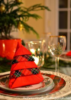 Christmas Tree Napkin Fold 2