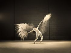 Dynamic Portraits of Acrobatic Dancer and Bursts of Powder Frozen in Time - My Modern Met