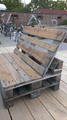 DIY - Pallet lounge #diy_pallet_lounge #palletfurniturecouch #Palletlounge