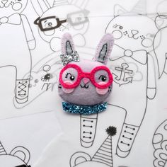 Happy rabbit felt brooch от NoodledollNelly на Etsy