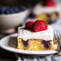 Paleo Poke cake with Blueberries, Strawberries and Coconut Cream + Healthy Berry Desserts via @FoodFaithFit