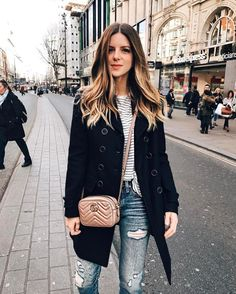Made it to london 🇬🇧 gucci gg marmont camera mini quilted leather shoulder bag in nude matelassé eather; Wish list and beautiful styles from michellemadsen for designer shoes, bags, and cloth! Gucci Marmont Mini, Gucci Gang, Gucci Crossbody Bag, Outfit Invierno, Gg Marmont, Gucci Handbags, Gucci Purses, Gucci Gucci, Cloth Bags