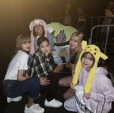 Kpop Girl Groups, Korean Girl Groups, Kpop Girls, Iconic Photos, Blackpink Photos, K Pop, Bigbang Concert, Blackpink Members, Aesthetic Women