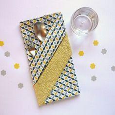 Grande serviette de table enfant, bleue et jaune