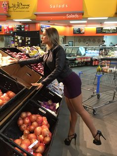 Grocery Shopping In Exagonas | CarrieLaChance.com
