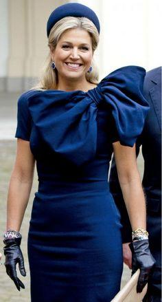 Queen Maxima beautiful in blue.  2014