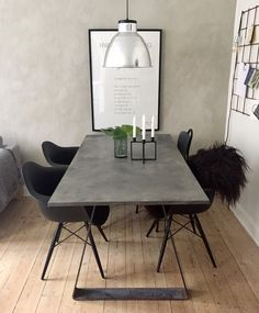 DIY spisebord – se hvordan på min IG: Mille Hartmann – Home Decor Interior Design Kitchen, Interior Design Living Room, Diy Esstisch, Diy Dining Table, Dining Chairs, Dining Room, Home Decor Inspiration, Home And Living, Home Remodeling