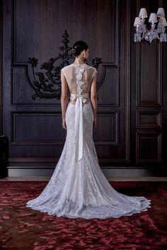 Monique Lhuillier Bridal Spring 2016 Fashion Show Details