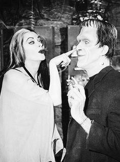 boop... Munsters Tv Show, The Munsters, La Familia Munster, Herman Munster, Black Sheep Of The Family, Lily Munster, Yvonne De Carlo, Female Vampire, Frankenstein's Monster