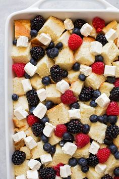 This berry french toast casserole is perfect for special occasions or weekend brunch! It can be prepped ahead and baked in the morning. Easy, delicious and a total crowd pleaser! Full recipe on lifemadesimplebak. Beignets, Brunch Recipes, Gourmet Recipes, Breakfast Recipes, Brunch Foods, French Toast Bake, Stuffed French Toast Casserole, Breakfast Casserole French Toast, Overnight French Toast