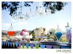 #Outdoor #wedding complete with dessert bar