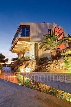 Modern luxury villa with incredible views for sale in Benidorm - Real estate is our passion... Largest Network of Real Estate Experts who can help you Sell your House FAST. Our Network consists of Investors... http://lnk.ms/dxs3C