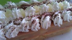 Mega chutná broskvová dort, která se nepeče: Takové recepty miluji – žádná práce a šťastná je celá rodina ! – mamarecepty Dessert Recipes, Desserts, Rum, Food To Make, Waffles, Cheese, Breakfast, Hampers, Pineapple