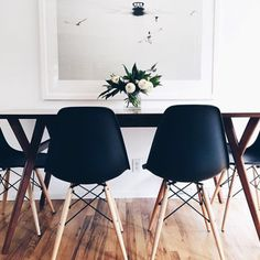 These chairs would look good in my black and white kitchen