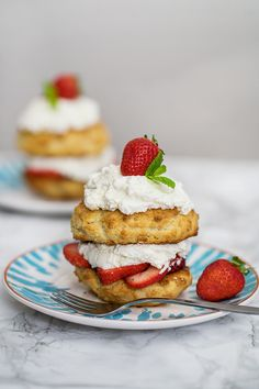 Strawberry Shortcake with Almond Flour // Welcome Baby Isabelle Sallys Baking Addiction, Heavy Whipping Cream, Baking Sheet, Strawberry Shortcake, Almond Flour, Food Photo, A Food, Food Processor Recipes, Cheesecake