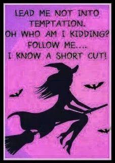 Theme Halloween, Halloween Quotes, Fall Halloween, Halloween Pictures, Halloween Pumpkins, Cute Quotes, Funny Quotes, Funny Memes, Sarcasm Quotes