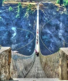 Scariest But Coolest Bridges In The World
