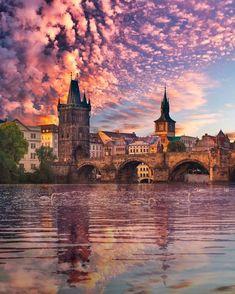 23 Destinations In Europe To Visit - Bucket List Destinations D'europe, Prague Photography, Prague Travel, Prague Shopping, Prague Map, Prague Food, Shopping Travel, Travel Trip, Prague Czech Republic