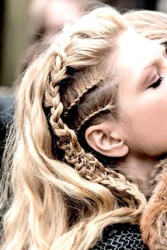 Start Practicing These Gorgeous Braided Prom Hair Styles Now