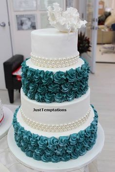 White wedding cake with turquoise ruffles by Just Temptations 3