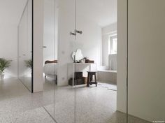 Big mirror wall in (bed?)room, for exercises, pole dancing / clothing, outfitpictures. Mirror Cut To Size, Precast Concrete Panels, Curtain Alternatives, Clean Concrete, The Body Book, Custom Mirrors, Hidden Rooms, Built In Cabinets, Diy Curtains