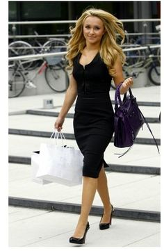Hayden Panettiere 02_10_2007 'working' Balenciaga Tote  Classy dress, love the purse.  Don't forget the shopping bags! Everything a working woman needs. =)