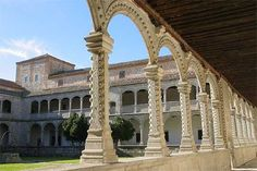 Reyes, Louvre, Building, Travel, Hospitals, Walks, Towers, Buildings, Viajes