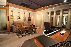 home music studio room Music Studio Decor, Home Recording Studio Setup, Home Studio Setup, Studio Ideas, Studio Room Design, Home Studio Musik, Nashville, Home Music Rooms, Sound Room